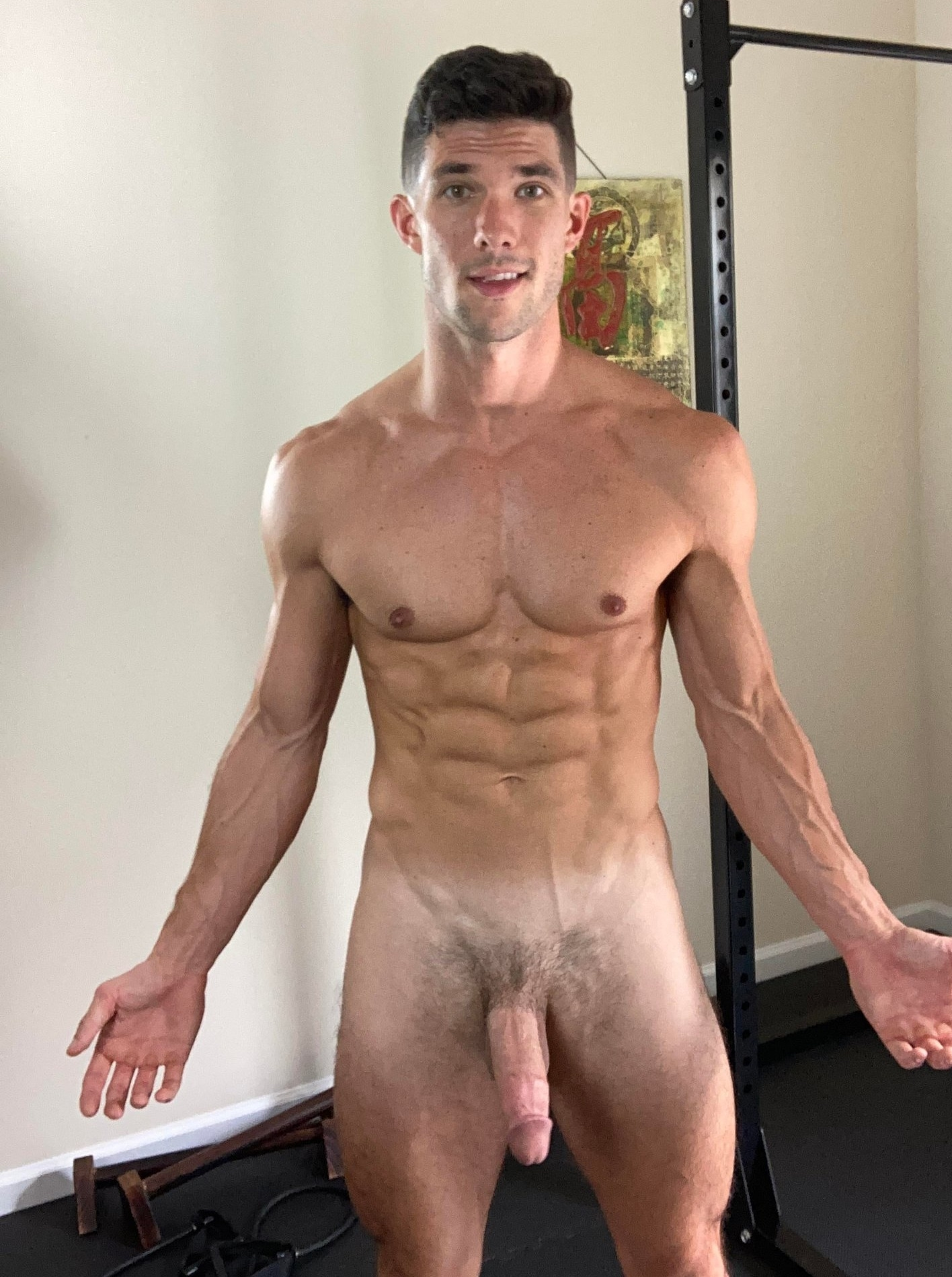 Hunk with a ripped body