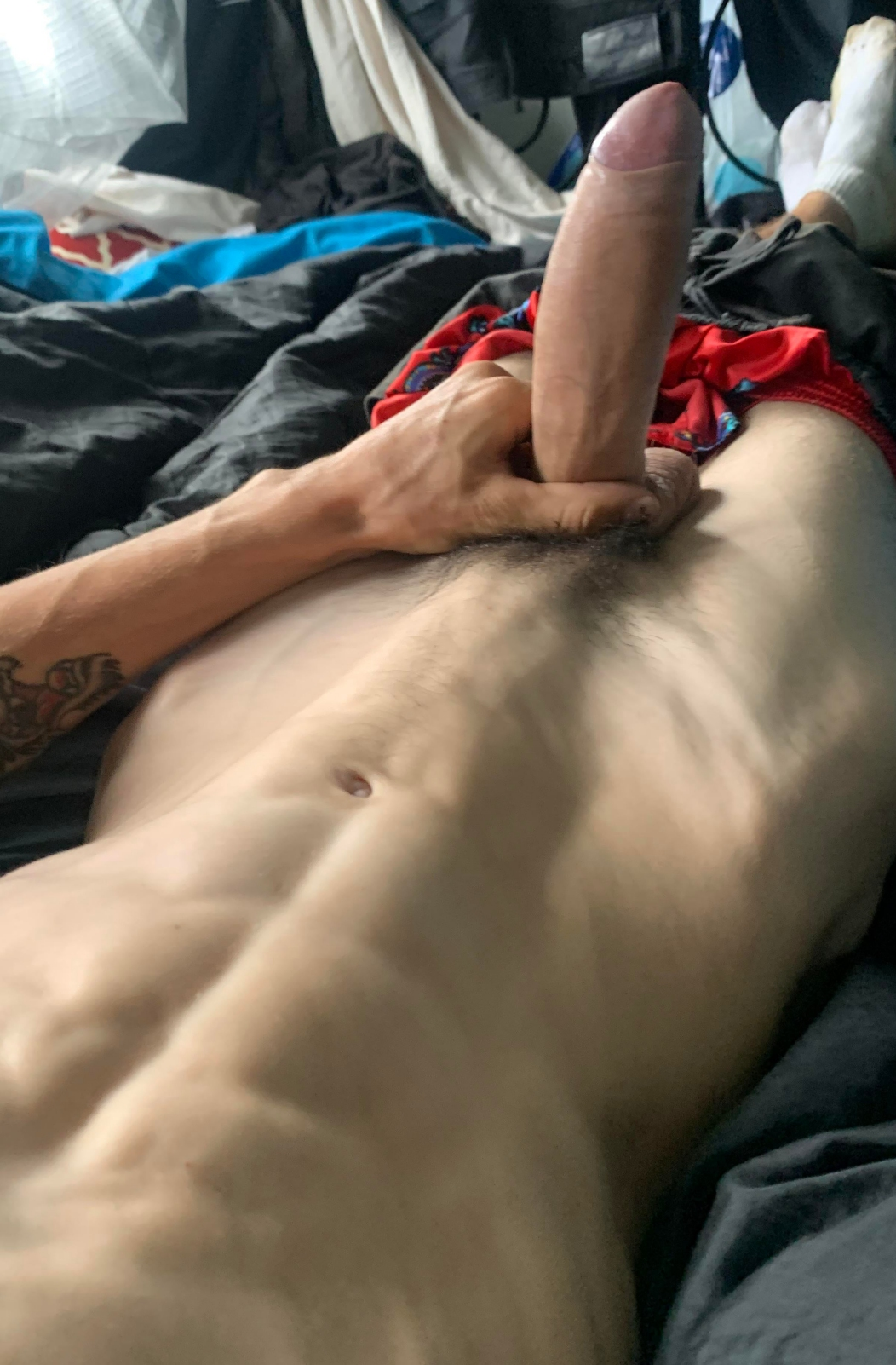 Muscle tummy and a thick dick