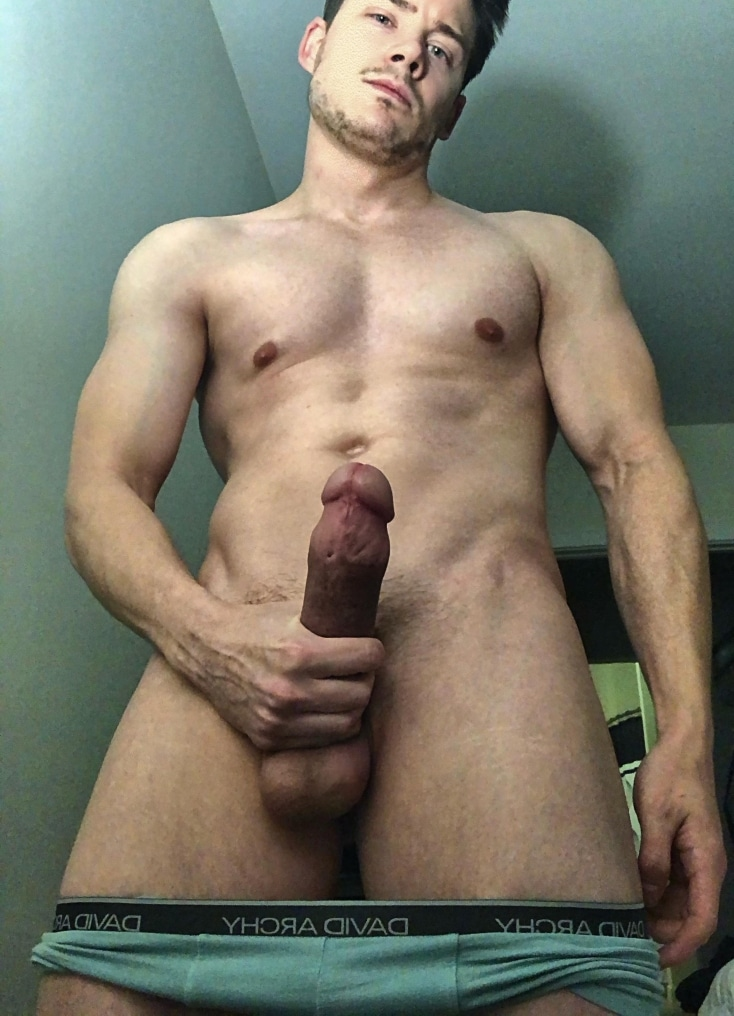 Stud wanking his cut cock