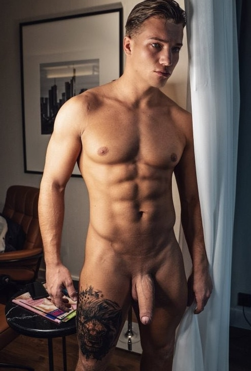 Stud with a big shaved cock